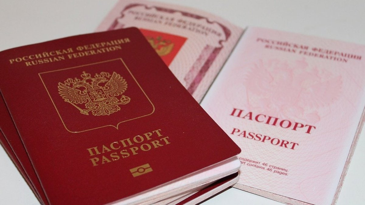 Куда поехать, если заканчивается паспорт